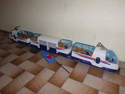 Playmobil  Eisenbahn  RCE mit Mittelwaggon Batteriekasten und Fernbedienung