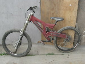 Santa Cruz Super 8 Downhill Bike with Monster T Fork