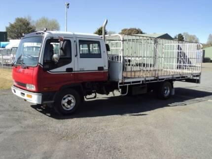 ISUZU FRR550 CREW CAB TRAY WITH GATES