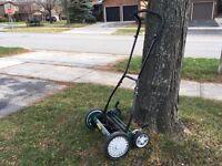 """Yardworks 18"""" Reel Lawnmower"""