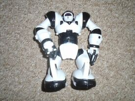 Robot with batteries size medium-can post