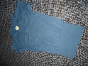 Ladies Size Large Knit Short Sleeve V-Neck