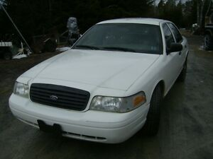 2009 Ford Crown Victoria p71 Sedan