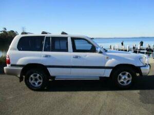 2003 Toyota Landcruiser UZJ100R GXL (4x4) White 5 Speed Automatic Wagon Dapto Wollongong Area Preview