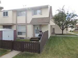 3 BEDROOM TOWNHOUSE ON MCLEOD ROAD AVAILABLE OCTOBER 1