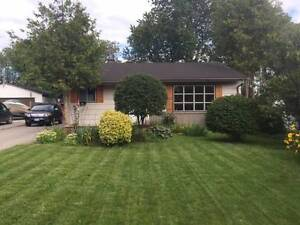 Renovated 3 Bedroom Detached Home Bungalow In Pickering Area