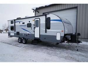 Trailmaster 255BH Travel Trailer with Bunks: Low Finance Rate!