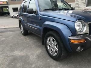 Jeep liberty 2004 4*4 CUIR TOIT OUVRANT