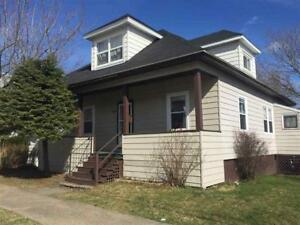 LARGE FAMILY HOME IN GREAT ASHBY LOCATION!!