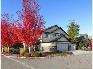 3 bedroom 2.5 bath strata townhome in Sierra Gardens