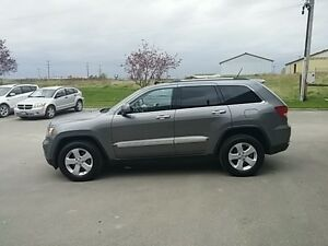 2012 Jeep Grand Cherokee Laredo London Ontario image 6