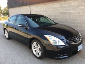 2012 Nissan Altima 3.5 SR Leather-Sunroof - MINT Under 25,000KM