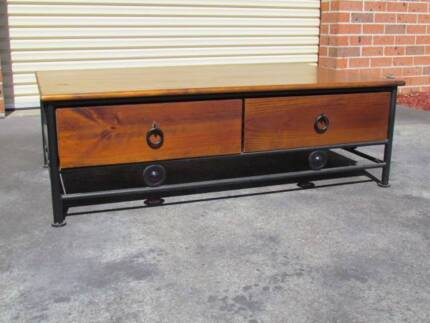 Coffee Table Richmond Hawkesbury Area Preview