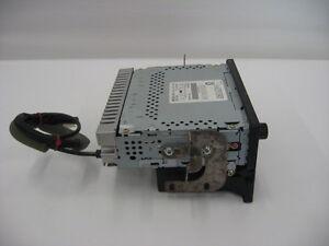 2003 Honda Odyssey CD Player / Radio / Stereo London Ontario image 4