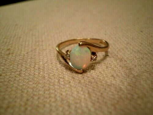 VINTAGE COLORFUL NATURAL 1.50ct OPAL / DIAMOND 10K YELLOW GOLD RING