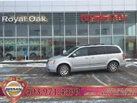 2010 Chrysler Town & Country Touring - DVD/Back Up Camera