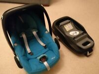 Maxi Cosi Pebble Car Seat and Isofix base (familyfix)