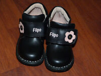 Girls Flipo Boots Size 8 1/2 .Also...Brand New...Girls Flipo Boots Size 7