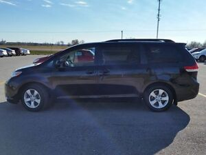 2013 Toyota Sienna LE Peterborough Peterborough Area image 2