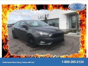 2015 Ford Focus SE, Sport Wheels, Heated Seats !!