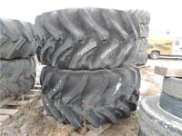 2 x 800/65R32 Firestone Rear Floater Tires New Holland / Miller