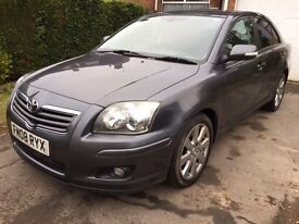 BEAUTIFUL TOYOTA AVENSIS 2,2 DIESEL !! NEXT MOT FEB 2018 !!! SAT NAV !!