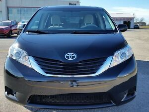 2013 Toyota Sienna LE Peterborough Peterborough Area image 8