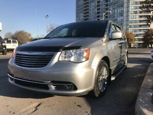 2013 Chrysler Town & Country Touring L Touring L