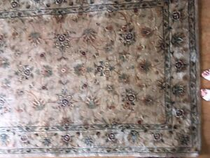 Area Rug floral cream  - Wool 6 by 8 ft