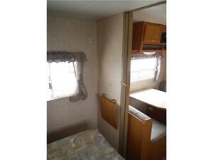 2003 Jayco Kiwi Too 26S Ultra Lite Travel Trailer with Slideout Stratford Kitchener Area image 7