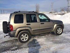 2004 Jeep Liberty Sport Rocky Montain VUS