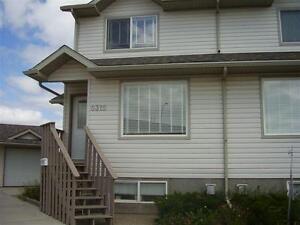 8315-114A St 3 Bed + Den Duplex  2 Car Garage Avail May 1st