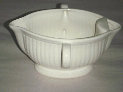 CALIFORNIA POTTERY GRAVY BOAT USA 990 DOUBLE SPOUT & DOUBLE HANDLE WHITE RIBBED
