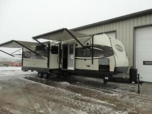 Bunkhouse RV Trailer with Dinette on Awning Side!