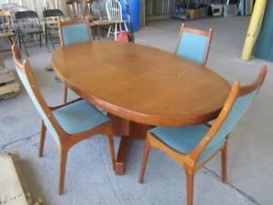 Teak table & chairs - 6993R