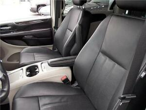 2014 Chrysler Town & Country Touring Windsor Region Ontario image 2