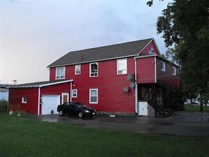 Bâtisse de 4 appartements avec garage annexé à Shippagan
