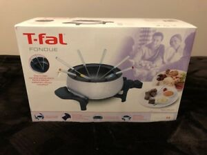 T-Fal Fondue Kit ( New In Box)
