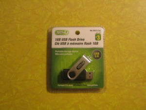 New In Sealed Packages / Never Opened - 1 GB USB Flash Drives