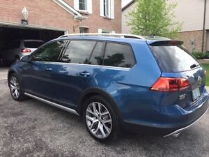 2017 GOLF Alltrack (Lease) excellent condition - woman owned