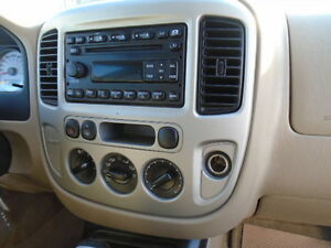 2007 Ford Escape SXT SPORT 4X4--3.0L V6 ---WITH REMOTE STARTER Edmonton Edmonton Area image 13