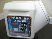 Pet Food or Bird Seed Container LIKE NEW