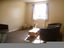3 double bedrooms, City centre (close station & Queensgate) ***UPDATE 21 JAN***AVAILABLE 26 Jan***