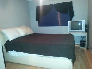 FURNISHED ROOM AVAILABLE FOR RENT @$75/N,$275/W,$800/M-DOWNTOWN