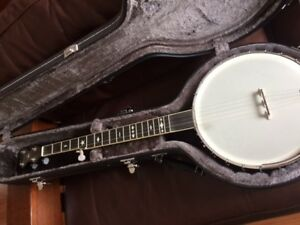 Gold Tone OT-800 open back Five String Banjo with hard case