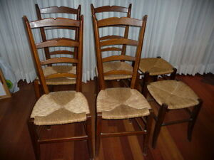 4 cord/rope wood chairs/ chaise en corde