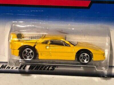Hot Wheels Ferrari F40, 2000-122, Yellow, NEW, 1/64
