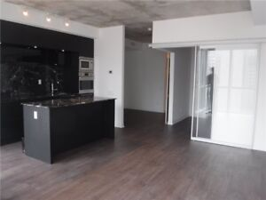 BISHA HOTEL 1 BED + DEN @ KING WEST W/ PARKING (88 BLUEJAYS WAY)