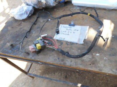 RENAULT TRAFIC  FUSE RELAY WIRING LOOM HARNESS 2009