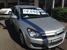 2004 Holden Astra AH CD Silver 5 Speed Manual Hatchback Broadmeadow Newcastle Area Preview
